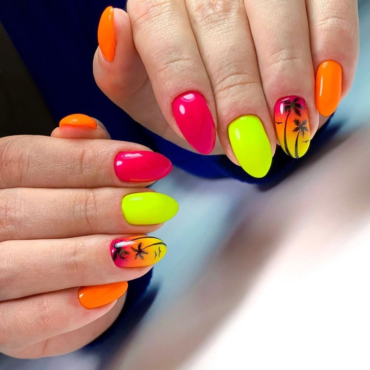 Яркий неоновый летний дизайн ногтей с пальмами