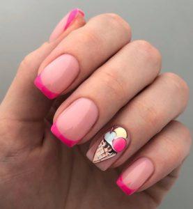 Розовый летний френч-маникюр с мороженым