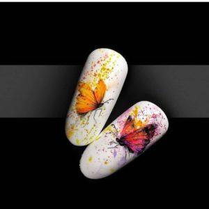 Летний маникюр с неоновыми бабочками на типсах