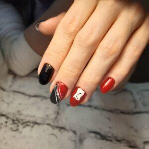 Красно черно белый маникюр