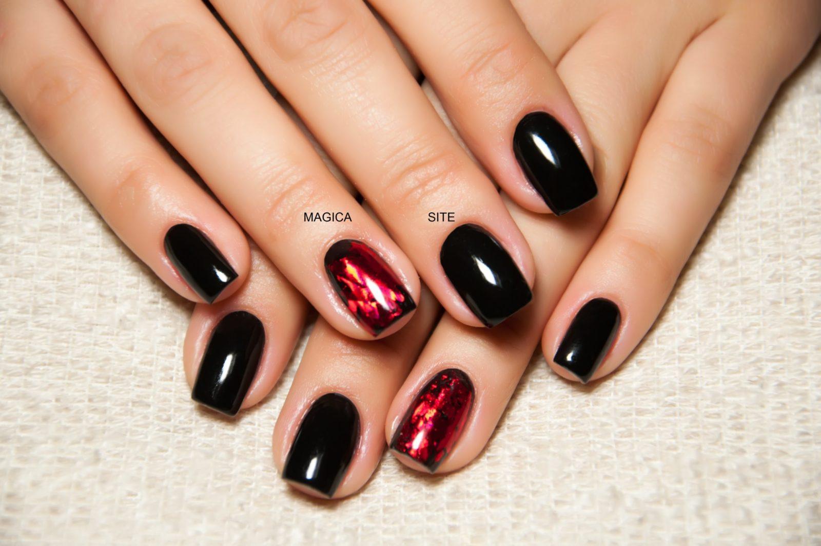 осенний маникюр, комбинированный маникюр, чёрные ногти, фольга, блестящие ногти, блёстки на ногтях, дизайн ногтей, маникюр 2020