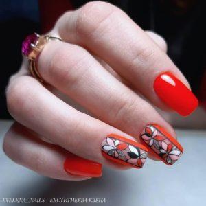 красный маникюр, цветочный принт, цветочный маникюр, рисунки на ногтях, картинки на ногтях, стразы на ногтях, модный маникюр, стильный маникюр, маникюр на длинные ногти, маникюр 2021