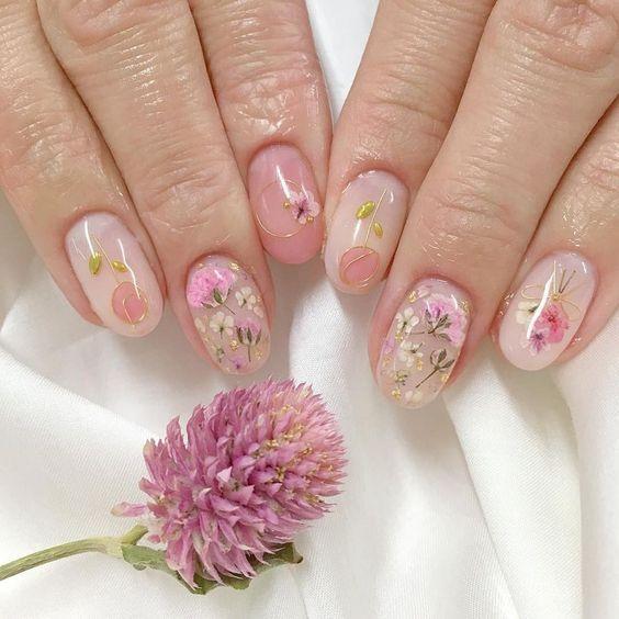 цветочный маникюр, нюдовый маникюр, нежный маникюр, розовый маникюр, нюдовые ногти, нейл дизайн, рисунки на ногтях, картинки на ногтях, модный маникюр, маникюр 2021