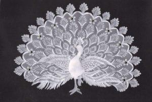 павлин из бумаги, пергамано, техника пергамано, вырезание из бумаги, художественное вырезание, резьба по бумаге, птица из бумаги, бумажная птица, бумажный павлин
